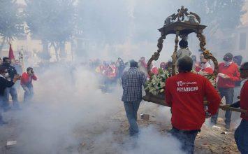 CÚLLAR VEGA. Fin de la Semana Santa con la procesión de los petardos