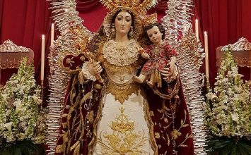Bendecida la Virgen de la Granada