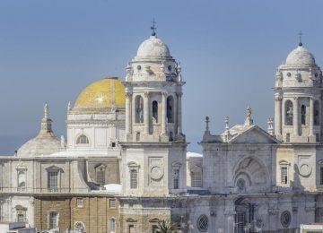 Vía Crucis Magno en Cádiz