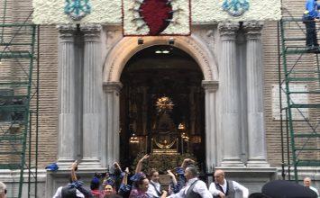 Granada llevó flores a su Patrona