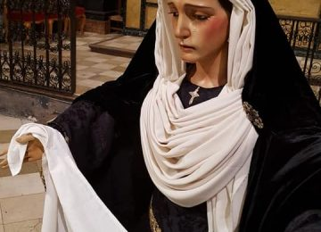 MARÍA VISTE DE LUTO. Santa Marcela en Loja