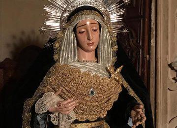 MARÍA VISTE DE LUTO. Esperanza de Guadix