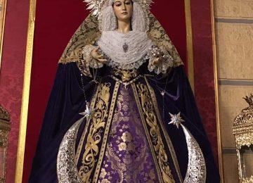 MARÍA VISTE DE LUTO. Triunfo