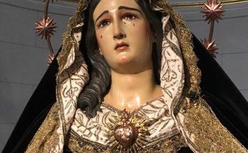 MARÍA VISTE DE LUTO. Sacromonte