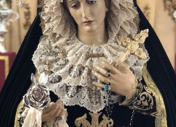 MARÍA VISTE DE LUTO. Dolores de Baza
