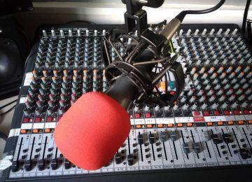 Cita en la radio
