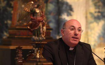 BAZA. El obispo se reúne con la Federación de Cofradías