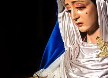 María viste de hebrea
