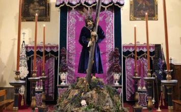 ¿Jesús con la cruz al revés?