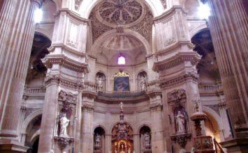 Adoración en la iglesia del Sagrario por el Corpus