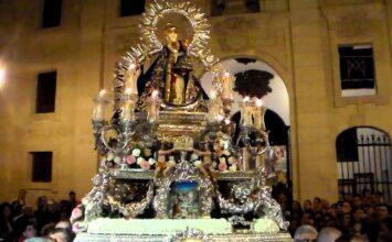 Caridad en lugar de procesión, con la Morenita
