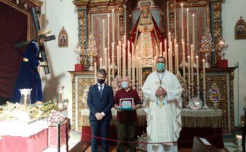 En el Nazareno homenajean a su director espiritual