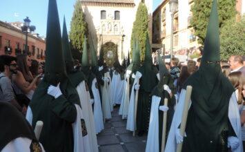 El arzobispo de Granada suspende las procesiones de Semana Santa