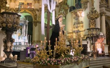 La Catedral acogió el vía-crucis de las cofradías