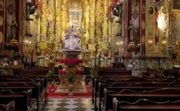 Cultos a San Juan de Dios, con sus restos en el centro del templo