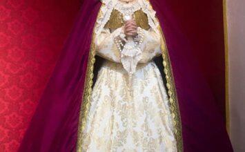 María Santísima del Consuelo luce corona